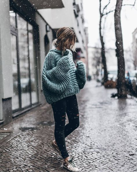 15 Cute Crop Top Sweater Outfits To Wear This Winter 2019 This is one of the cutest crop top sweater outfits! The post 15 Cute Crop Top Sweater Outfits To Wear This Winter 2019 appeared first on Sweaters ideas.