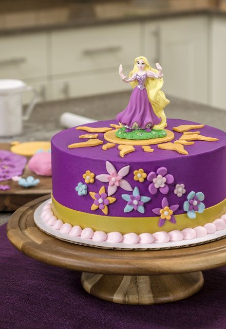 Fondant Flowers And Beautiful Gum Paste Rapunzel Cake Topper Make This Really Special