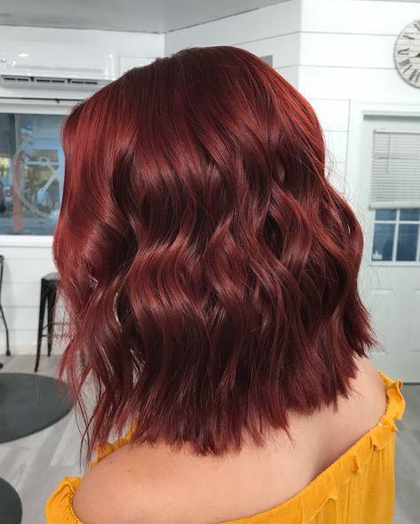 Red Bob Hair, Short Red Hair, Red Hair Inspo, Chelsea Houska Hair, Mahogany Hair, Wine Hair, Hair Color And Cut, Dark Burgundy Hair, Dark Hair