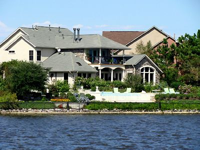 Real Estate The Woodlands Texas Lake Conroe Texas Cabins And Cottages Lake House The Woodlands Texas