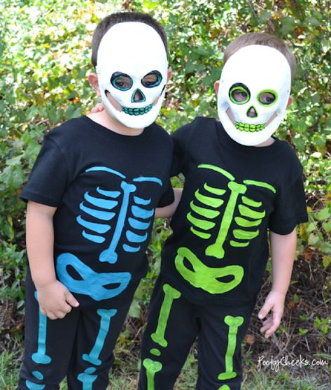 Photo of DIY Halloween Skeleton Costumes – Poofy Cheeks
