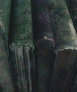 slytherin slytherin girl slytherin fashion slytherin aesthetic aesthetic aesthetic green g … - Harry Potter World 2020 Slytherin House, Slytherin Pride, Hogwarts Houses, Ravenclaw, Harry Potter Houses, Loki Aesthetic, Slytherin Aesthetic, Aesthetic Green, Athena Aesthetic