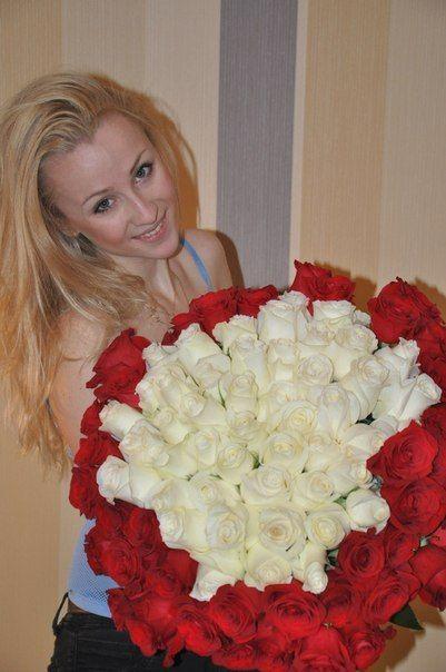 fete frumoase flori)