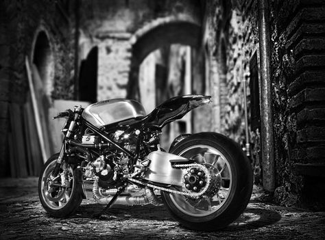 ducati #desmo #1098 #cafefighter built for comedian alonzo bodden