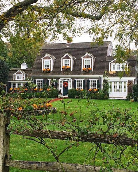 Exterior This house is a Dutch Colonial because of it's gambrel roof, symmetry, and dormers. Style At Home, Cape Cod Style House, Gambrel Roof, House Goals, Home Fashion, My Dream Home, Curb Appeal, Home Deco, Exterior Design