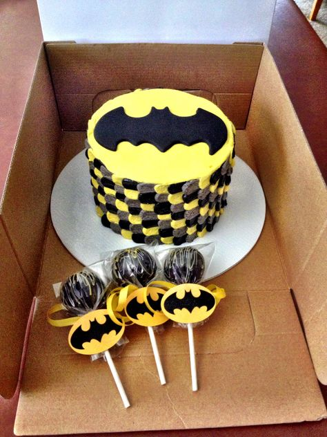 Batman smash cake and cake pops.