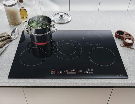 5 Zone Ceramic Hob Touch Control By Lamona Howdens Joinery Ceramic Hobs Hobs Howdens Kitchens