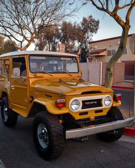 Toyota – One Stop Classic Car News & Tips Toyota Fj Cruiser, Jeep Wranglers, Jeep Rubicon, Volkswagen, Toyota Hilux, Land Rover Defender, Ford Gt, Classic Trucks, Classic Cars