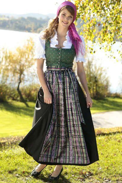 Xxl Dirndl Schmucke Dirndl In Grossen Grossen Dirndl Dirndl Trachten Traditionelle Kleider
