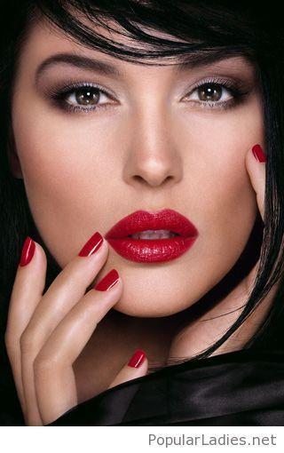 Red Nails Red Lips Black Hair Eyemakeuporange Beautiful Lips