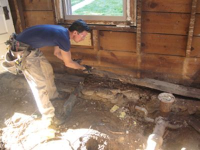 By Mark Clement Removing and Replacing a Rotten Sill Plate. A rotten sill plate is a common occurrence in old houses—and a