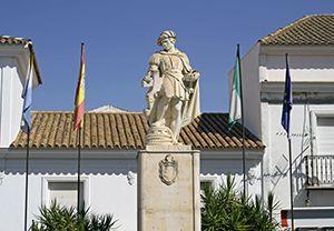 Monumento A Martín Alonso Pinzón Palos De La Frontera Almonte Huelva España En 2020 Lugares De España España Monumento