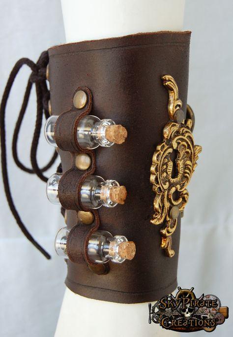 Steampunk Bracelet - The Alchemist Leather Bracer Steampunk Cosplay, Viktorianischer Steampunk, Steampunk Clothing, Steampunk Fashion, Steampunk Necklace, Gothic Fashion, Steampunk Gloves, Steampunk Images, Style Fashion
