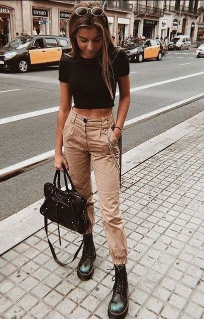 20 Casual Winter Outfits for Women 2020 With these casual outfit ideas you'll love the garments in your closet again because sometimes you only need a touch inspiration to recover your style. SEE DETAILS. Casual Winter Outfits, Winter Outfits Women, Winter Fashion Outfits, Spring Outfits, Spring Fashion, Fashion Fashion, Summer Fashion For Teens, Womens Fashion, Fashion 2020