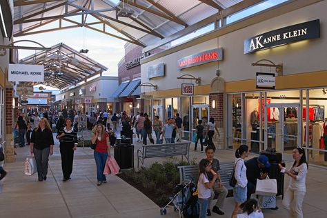 c43e5c081b5583 About Houston Premium Outlets® - A Shopping Center in Cypress