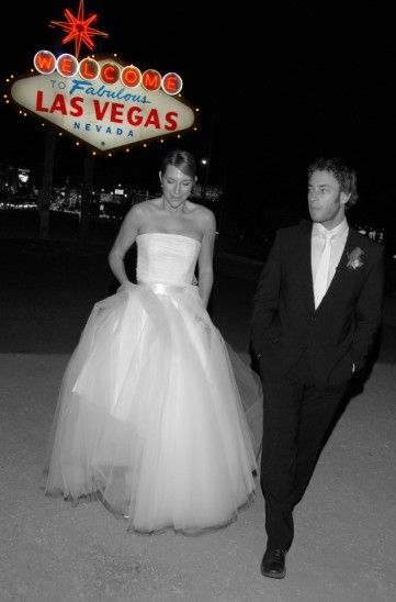 Only in Las Vegas: Weddings from Classic to Cheesy | Viator Travel Blog love the photo idea.
