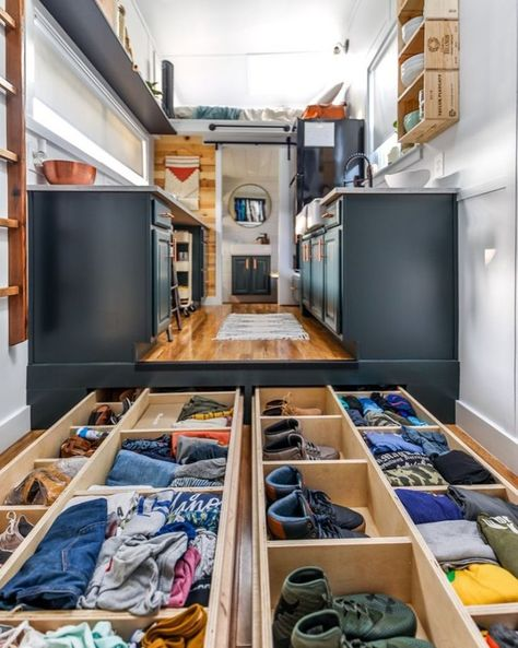 16 Tiny House Storage Ideas & Hacks Need ideas for organizing and getting more storage in your tiny home? Check out these 16 tiny home organization ideas and storage tips! Tiny House Storage, Tiny House Loft, Best Tiny House, Modern Tiny House, Tiny House Plans, Tiny House Design, Tiny House On Wheels, Home Design, Tiny House Trailer Plans