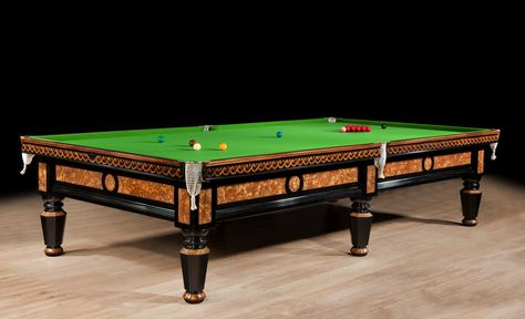 Tavolo snooker ~ A magnificent decorative antique billiard snooker table