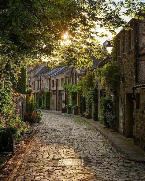 The enchanting path ~ Edinburgh, Scotland. Photo by Places Around The World, Oh The Places You'll Go, Places To Travel, Travel Destinations, Places To Visit, Around The Worlds, Travel Tourism, Air Travel, Travel Photographie
