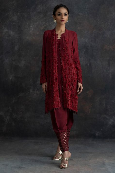 Shop online light formal clothes in various designs and styles at the best prices form Nida Azwer. Elevate your look with our light formal clothes.