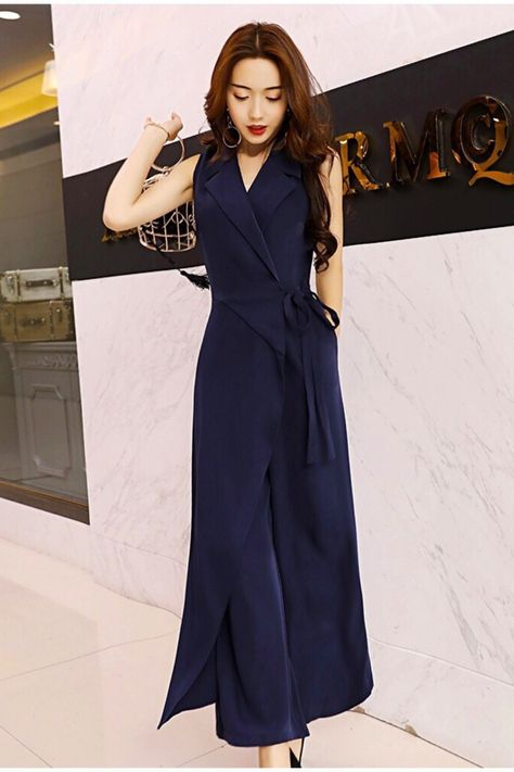 #jumpsuitsrompers  #jumpsuitromper  #jumpsuitoutfit #ootd #businessfashion #outfit #officefashionwomen #plussizefashion #minimalfashion #trousers #workwearfashion #workfashiontrends #corporatefashion #classyfashion #officewear #womensbusinesswear #businessoutfits #bellbottoms #widelegpants #streetweardaily #outfitoftheday #ootdshare #jumpsuitsforwomen  #chicfashion #chicfashionstyle #officewearwomenworkoutfitsclassy #workoutfitswomen