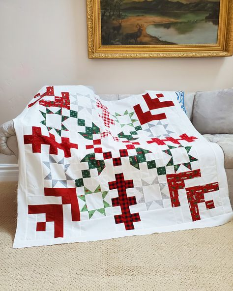Christmas Quilting Projects, Christmas Quilt Patterns, Christmas Sewing, Quilt Block Patterns, Small Quilt Projects, Modern Quilt Blocks, Sewing Projects, Christmas Crafts, Christmas Decorations