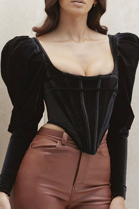 Corset Outfit, Leather Shorts Outfit, Corset Pants, Diy Corset, Corset Tops, Corset Belt, Leather Corset, Leather Skirt, Clothing Items