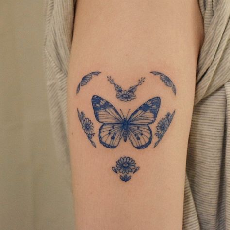 Dainty Tattoos, Dope Tattoos, Pretty Tattoos, Mini Tattoos, Beautiful Tattoos, Body Art Tattoos, Small Tattoos, Tatoos, Anime Tattoos