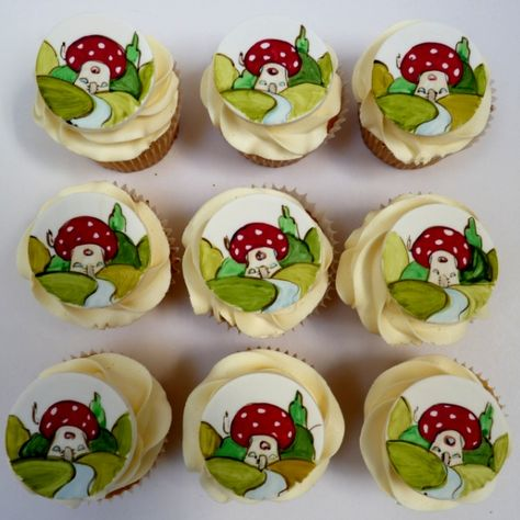 Hand painted cupcakes from Amelie's House