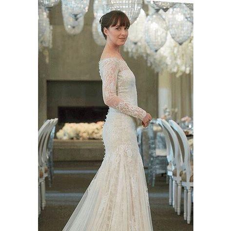 8fccd019d81 Dakota as Anastasia with her wedding dress