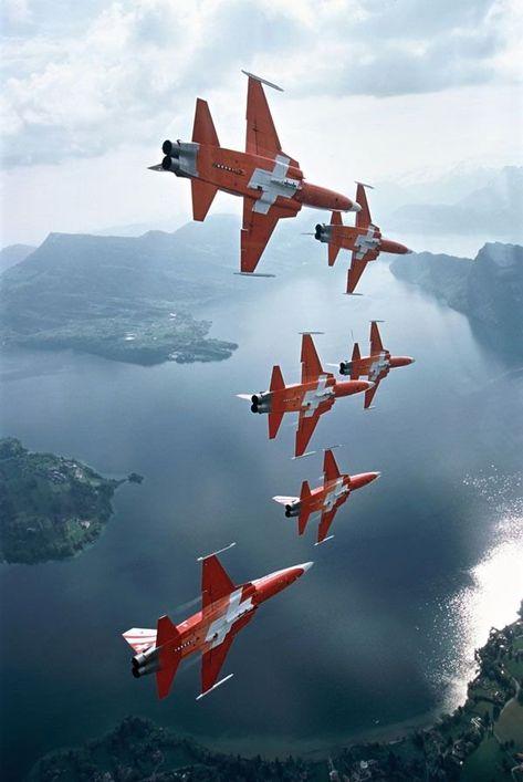 Patrouille Suisse, Swiss Air Force aerobatic team.