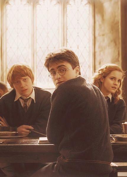 The Golden Trio Harrypotterwallpaper Harry Potter Tumblr Harry James Potter Harry Potter Film