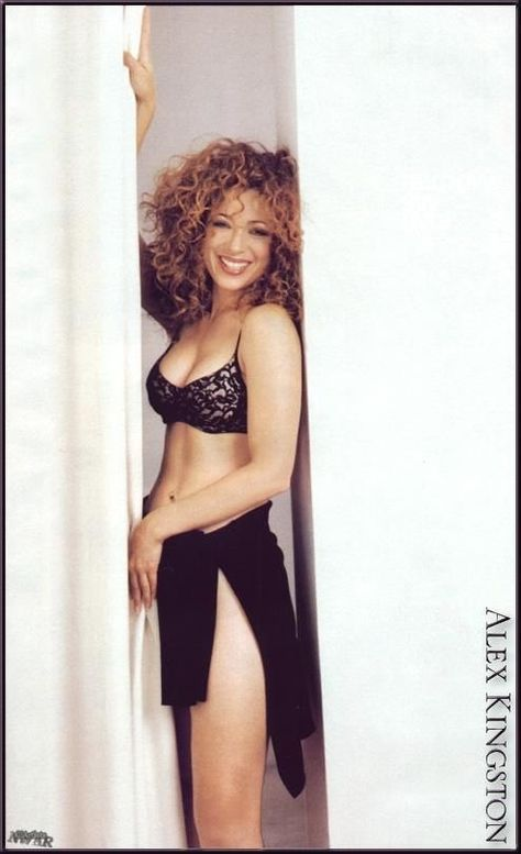 Alex Kingston very sexy and hot Beautiful Redhead, Beautiful Celebrities, Beautiful Actresses, Gorgeous Women, British Celebrities, Alex Kingston, Doctor Who Companions, Actrices Sexy, Thing 1