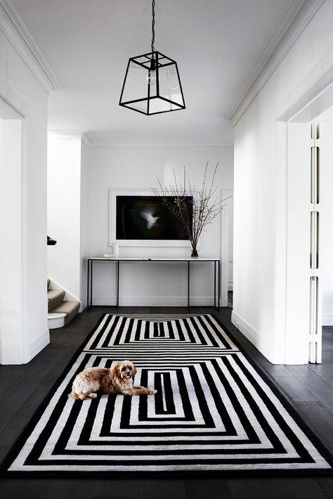 Tapis rayé noir et blanc - Tuba TANIK