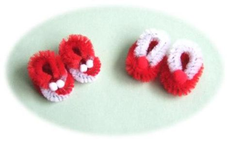 mini aimers xmas slippers from pipe cleaners (chenille stems)