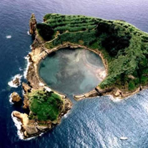 Check out this slideshow Snorkeling on your own private island! in this list Exploring the Azores