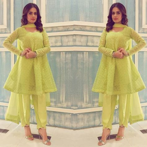 Sumbul iqbal looks stunning in this custom made lime green outfit #ootd #lookoftheday #instafashion