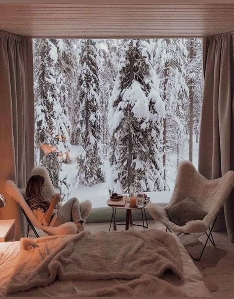 Cosy place in Rovaniemi, Finland – Tattoos – Cozy Places Treehouse Hotel, Chalet Chic, Cozy Place, Aesthetic Rooms, Cozy Christmas, Xmas, Minimal Christmas, Christmas Scenes, Elegant Christmas
