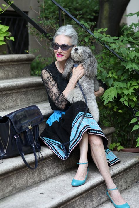 Last week I had the pleasure of photographing stylist turned beauty guru, Linda Rodin, outside her NYC apartment. Besides working full time on her skincare line, Rodin olio lusso, Linda has become a favorite among fashion bloggers, and is currently featured in the   J.Crew catalog. Linda believes that lots of sleep and a good diet are two of the keys to aging gracefully. (Advanced Style)
