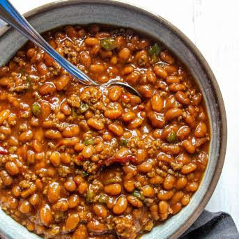 Southern Baked Beans With Baked Beans Ground Beef Worcestershire Sauce Dark Brown Sugar Small Sweet On In 2020 Southern Baked Beans Baked Bean Recipes Cookout Food
