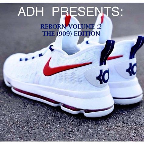 Trying to find ladies sneakers? Womens Sneakers For Work. Kd Shoes, Nike Air Shoes, Hype Shoes, Shoes Sneakers, Nike Socks, Best Sneakers, Sneakers Fashion, Ladies Sneakers, Best Basketball Shoes