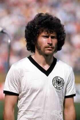 Paul Breitner 1974 Fotos Imago Images Fussball Fussballplatz Fussballspieler