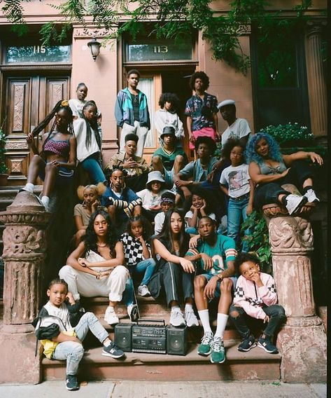 derekbalarezo:New Balance / Harlem NY (via TumbleOn) Family Photography, Portrait Photography, Street Photography, Jamel, 90s Aesthetic, Youth Culture, Group Photos, Poses, Friend Pictures