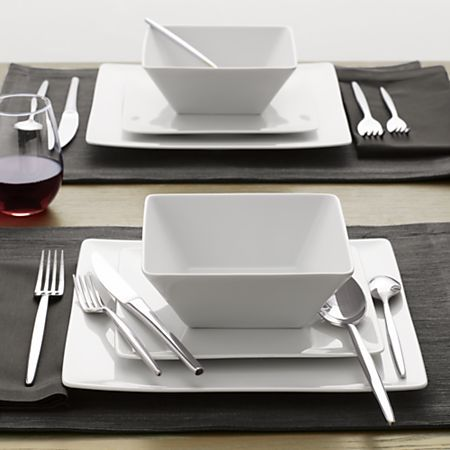 Set Of 8 Cyd Dinner Plates Reviews Crate And Barrel Kitchen Plates Set Dinner Plates Kitchen Plate