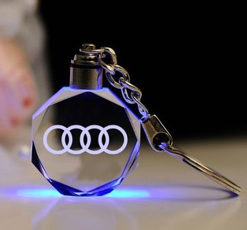 Brelok 3d Audi Krysztal Led Vw Skoda Bmw Krysztal 7517065620 Oficjalne Archiwum Allegro Audi Accessories Car Keychain Car Logos