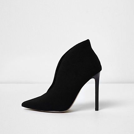 0f66409e7036 Black high vamp court shoes