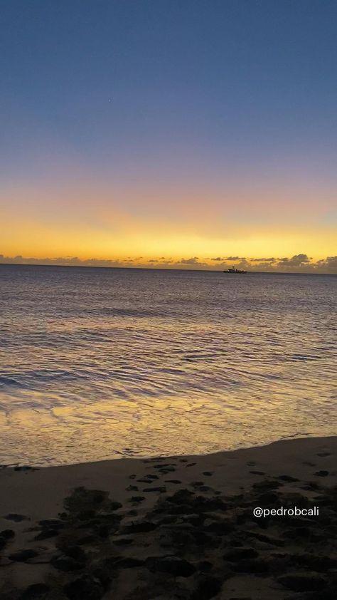 Beautiful sunset in Oahu, hawaii 🌅