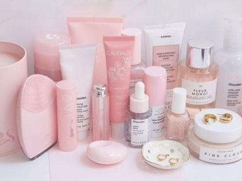 10 Essential Beauty Products Every College Woman Needs - Society19