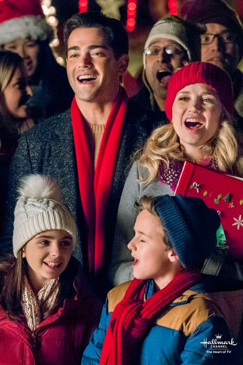 Christmas Next Door Hallmark.Christmas Next Door Join The Chorus On December 16 At 8 7c
