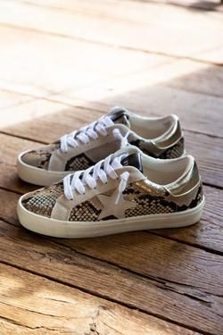 Philosophy Snake Print Lace Up Sneaker Gold Snake Steve Madden How To Tie Shoes Steve Madden Sneakers